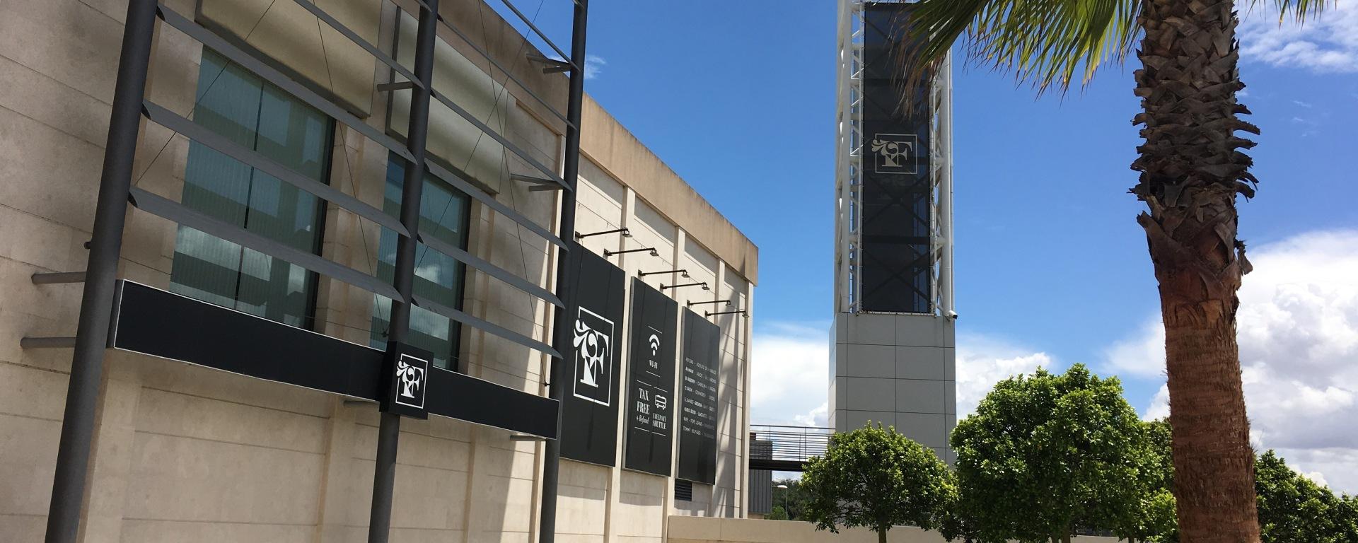 Lisboa  compras no Freeport Fashion Outlet – Eu Já Estive Em 88b7e36549d